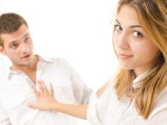 8 признаков, что девушка хочет тебя бросить