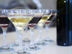 Опасная таблетка: врачи назвали лекарства, с которыми категорически нельзя совмещать алкоголь