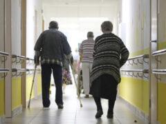 Старость с достоинством: почему отдать родственника в дом престарелых – это не страшно?