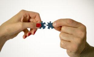 Психологи рассказали, как отпустить прошлые отношения и начать жить новой жизнью