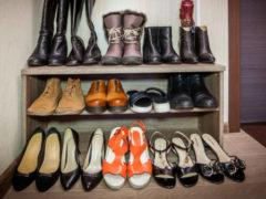 «При каждом шаге мозг получает микросотрясение»: ортопед назвал обувь, от которой стоит отказаться