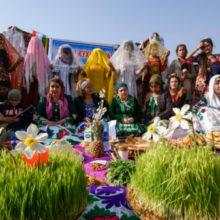 Смотрины невесты, национальные игры и благие дела: как отмечают Навруз в Таджикистане