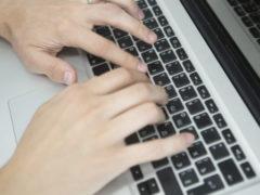 «Социальные сети разрушают мозг»: врачи рассказали, как сохранить ясный ум до старости
